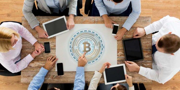 En este momento estás viendo Este club se reúne todos los miércoles a evaluar el código de Bitcoin Core