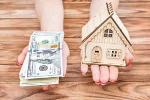 Lee más sobre el artículo Menos estadounidenses toman préstamos contra sus hogares después de verse atrapados en la crisis financiera, y esto está perjudicando a los bancos