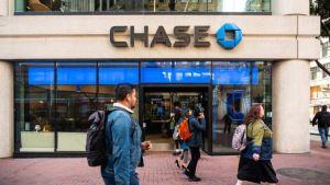 Lee más sobre el artículo JPMorgan Chase elevará los estándares de endeudamiento hipotecario a medida que las perspectivas económicas se oscurezcan