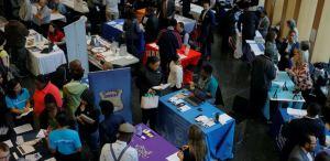 Lee más sobre el artículo Los economistas esperan otra semana de disminución de las solicitudes de desempleo a medida que los despidos de coronavirus comienzan a disminuir