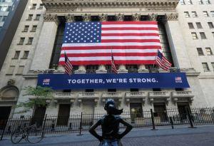 Lee más sobre el artículo La Bolsa de Nueva York está lista para reabrir su icónico piso de operaciones después de operar con el cierre por primera vez en 228 años.