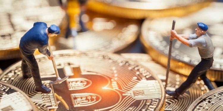 En este momento estás viendo Ganancias de mineros de Bitcoin aumentaron hasta USD 291 millones en abril