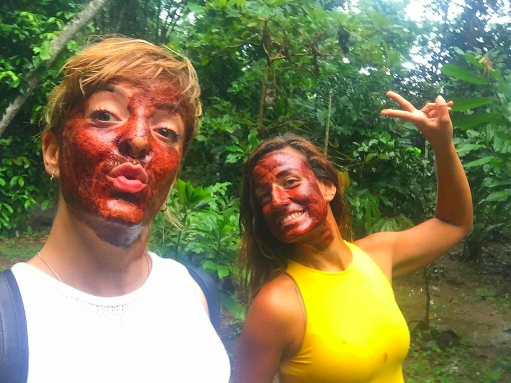 Mascarilla facial de cacao y aceite de coco en Rancho Raíces