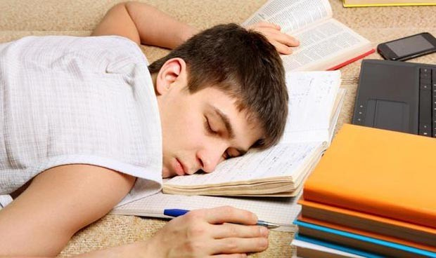La noche antes del examen, duerme mucho, por favor