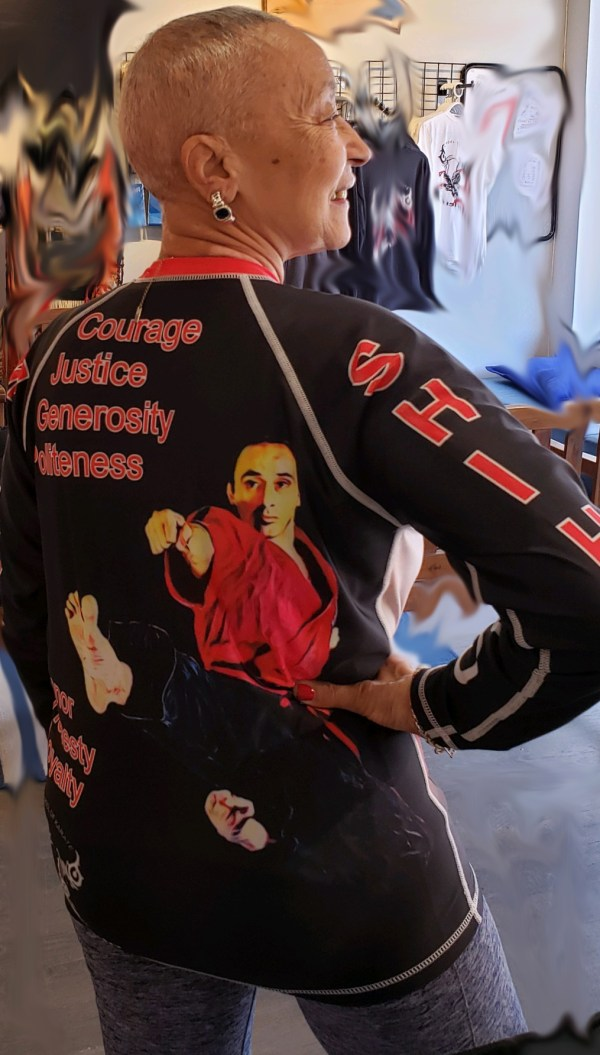 rashguard on model