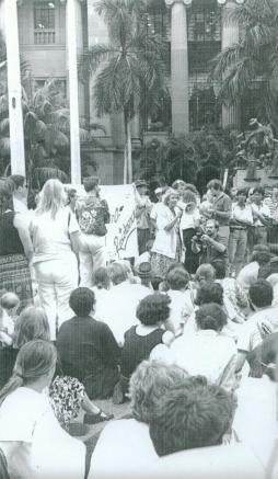 cheryl-kernot-speaking-at-an-anti-gulf-war-rally-in-king-george-square-brisbane-1991