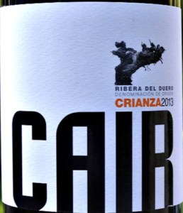 Dominio de Cair Crianza is an appealing, elegant and full bodied dinner party red. Intense and complex aromas of blackcurrant fruit, leather and dark chocolate and a wonderfully complex and succulent palate of black fruits with well integrated oak. This wine demonstrates how power and finesse can be brilliantly combined. The flavours are very long. 93 points in Penin Guide. Ribera del Duero at its best.
