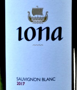 Iona Sauvignon Blanc 2017 is a textured Sauvignon Blanc in true Loire style. Akin to a Pouilly Fume or a Sancerre. 92 points from Tim Atkin MW and high marks from Jancis Robinson Purple Pages. Excellent value from Bush Vines.