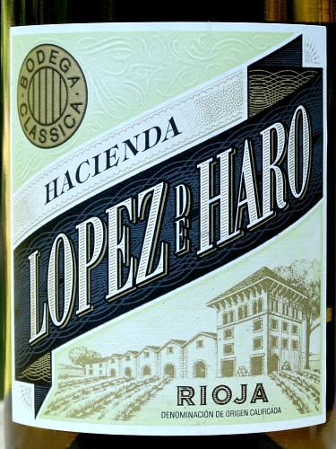 Lopez de Haro Blanco 2017 attractive, great value White Rioja. Greengage, pear and melon flavours, with hint of light oak and buttery notes. It has a nice citrus uplift at the end which makes for a fresh, quaffable, stylish White Rioja.
