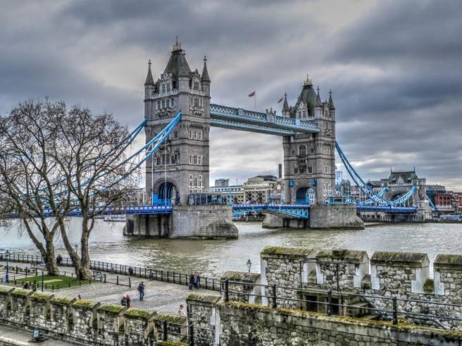 Création société Londres avec le Brexit