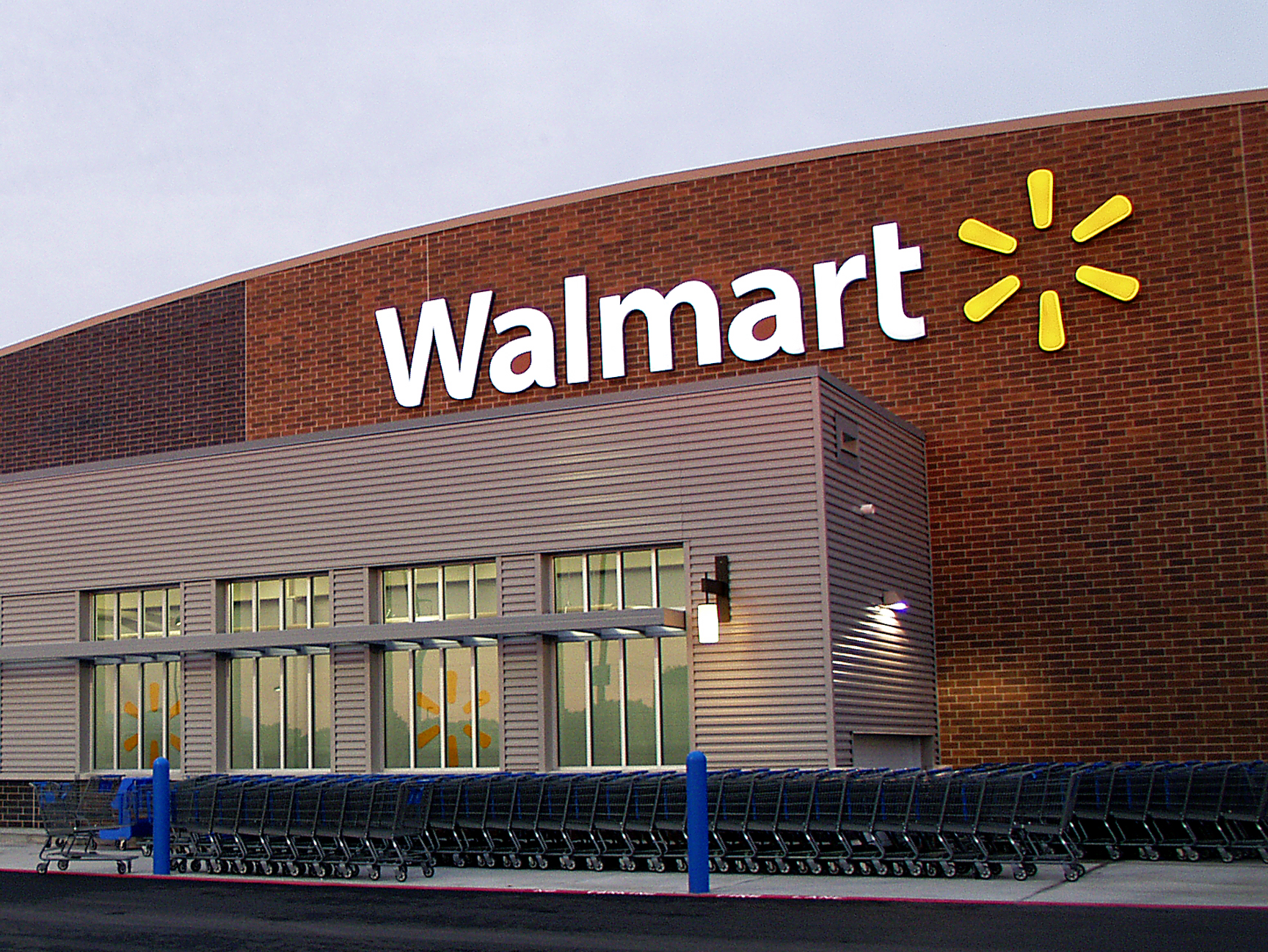 https://i2.wp.com/business-ethics.com/wp-content/uploads/2010/03/Walmart_Store.jpg