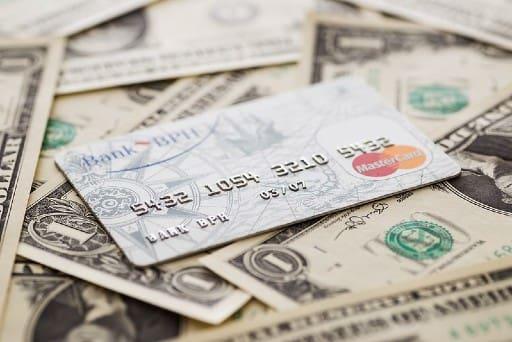 オンラインカジノでクレジットカード決済を利用する前に