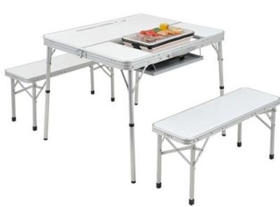 テーブル BBQ