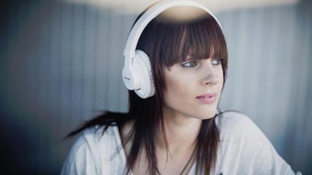 ブルートゥース(Bluetooth)ヘッドホンの魅力、時代はワイヤレス!おすすめ(ランキング)のヘッドホンは!?
