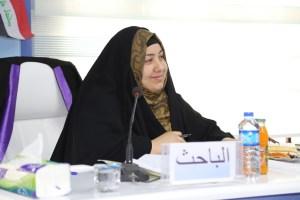جانب من مناقشة طالبة الماجستير كميلة عبد الواحد هادي