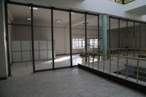 حملة اعداد قاعات الدراسات العليا في بناية العمادة