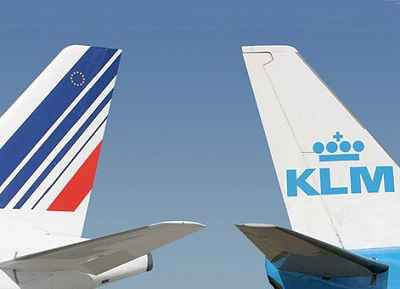 """NNN: Air France, KLM, ha llegado a un acuerdo tentativo con los pilotos franceses para transferir algunos servicios domésticos a la subsidiaria de bajo costo Transavia, a medida que el grupo de aerolíneas intensifica la reestructuración a raíz de la crisis del coronavirus, dijo el sindicato de pilotos principales. Un borrador del acuerdo está """"sobre […]"""