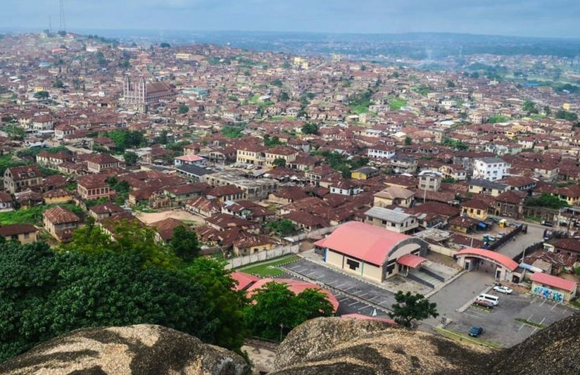 """""""this Restriction Will Also Apply To Ogun State Due To Its Close Proximity To Lagos And The High Traffic Between The Two States. """"all Citizens In These Areas Are To Stay In Their Homes. T"""