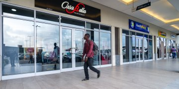 Dying Nigerian mall go under the hammer of court