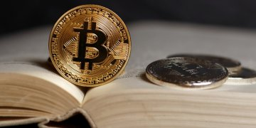 Bitcoin book - Beyond slowing down: what's next for Bitcoin? Regulation vs education