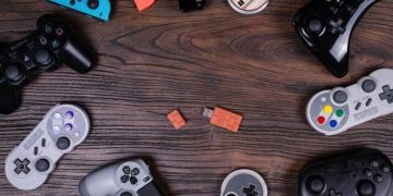03 l - 8bitdo Wireless Adapter Adds Flexibility to Xbox, PlayStation and Switch Controllers