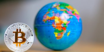 """Bitcoin globe - """"We Need an International Discussion on Cryptocurrencies"""": Medcraft of the OECD"""