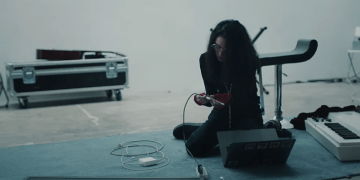 Screen Shot 2018 06 15 at 3.57.26 PM - Mac's new Apple ads show that even Grimes uses dongles