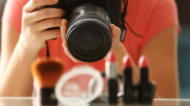 shutterstock 553694218 1 - Fiverr Service Helps Small Businesses Search Independent Product Photographers