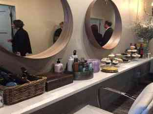 Gents salon for sale in Karama Dubai
