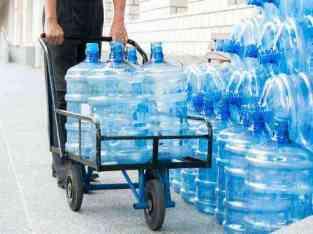 加仑自来水公司在迪拜出售
