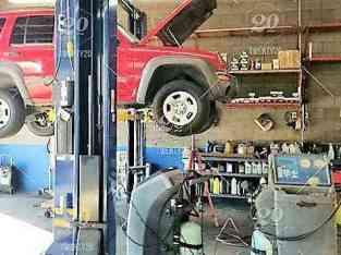 Auto Vehicle Repair Garage for Rent with Full Equipment's n Dubai