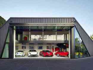 NEWLY OPENED FULLY EQUIPPED GARAGE FOR SALE IN DUBAI