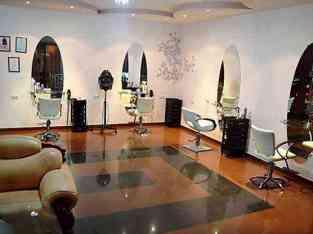Beauty Salon for Ladies in JLT For sale in Dubai