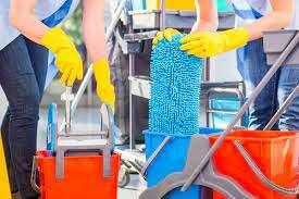 두바이에서 판매되는 청소 회사