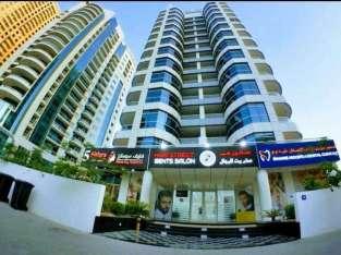 Salon eny an-dàlam-bolo eny amin'ny toerana mety be amidy any Marina Dubai