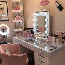 Salon Qurxinta Dumarka ee lagu iibinayo Dubai