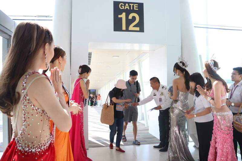 AoT welcomes Chinese tourists to Phuket for Golden Week, as hordes flock to Chiang Mai