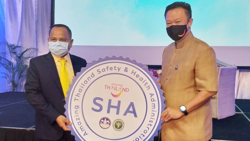 TAT Governor marks more than 100 Phuket tourism operators awarded SHA certification