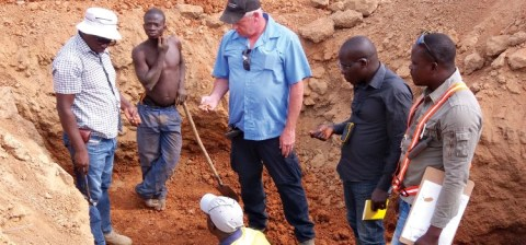 Image: Mako's chief geologist and crew at the artisinal gold mining site Napie in January