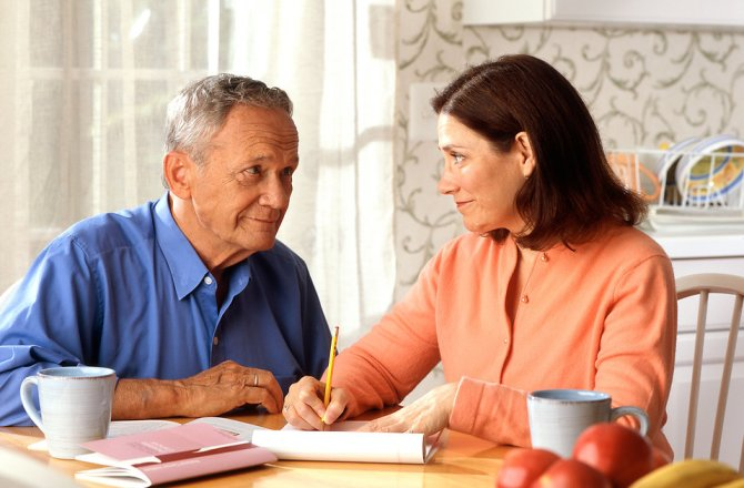 6 Money Topics You Need to be Talking About with Your Parents