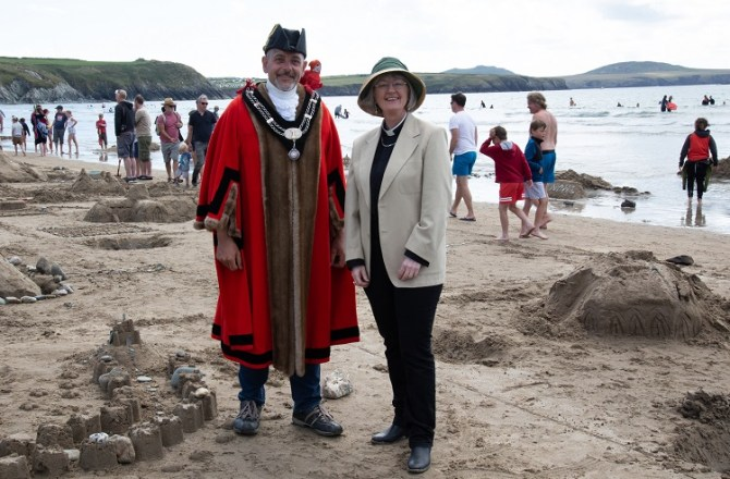 Pembrokeshire People Star in New ITV Show