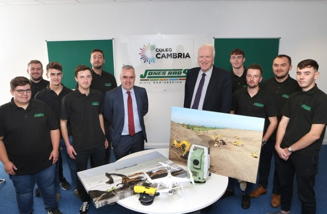 Civil Engineering Firm and College to Modernise Higher Apprenticeships