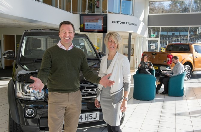 Commercial Vehicle Dealer David Spear Wins Coveted Feefo Gold Service Award 2017