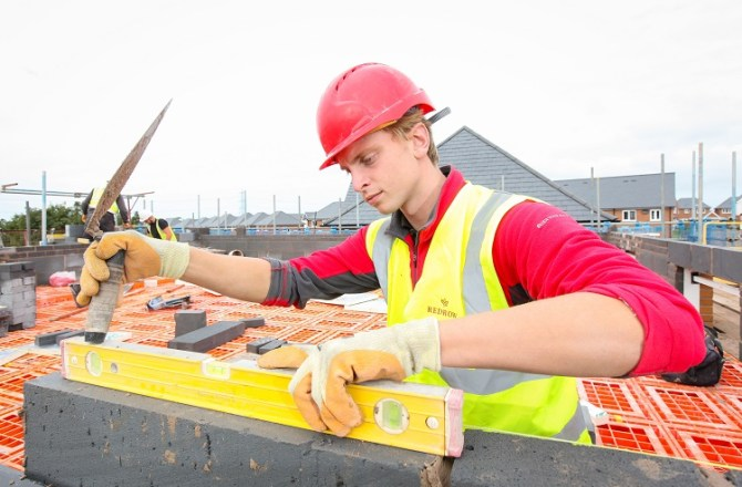 Teenager Sean Wins Apprentice of the Year Prize