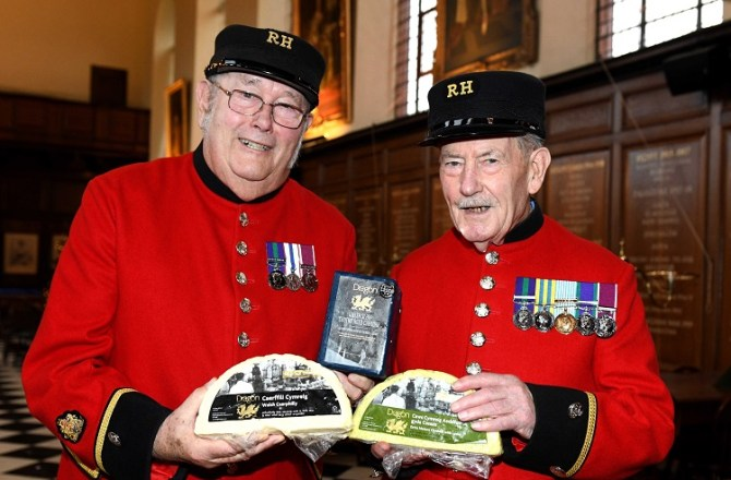 Top Cheesemakers Bring a Slice of Festive Cheer to Veterans