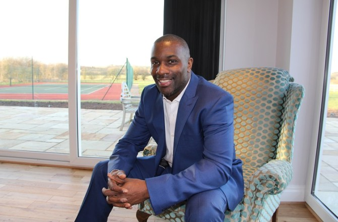 Athlete Derek Redmond Set to Open Newport Business Expo