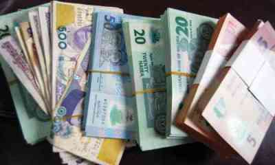 Naira Crashes to N390 per Dollar at Black Market