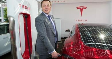 Σπάει τα κοντέρ» η Tesla – Ξεπέρασε τα 500 δολάρια η μετοχή