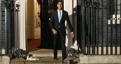 Ο νέος υπουργός οικονομικών με προϋπηρεσία στην Goldman Sachs