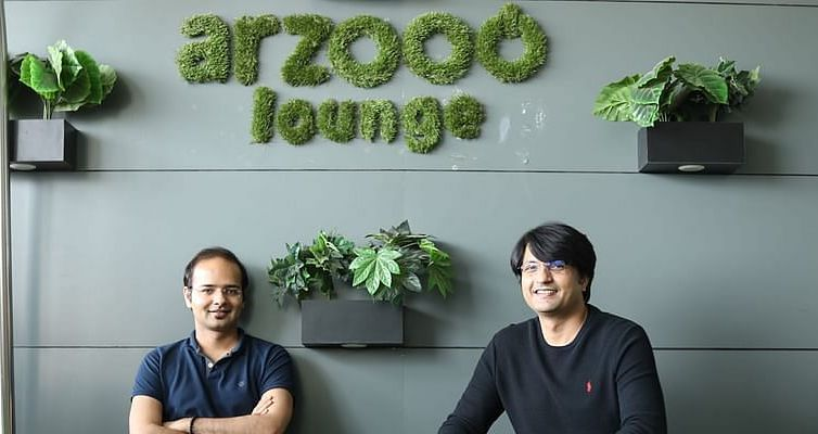 This startup founded by two ex-Flipkart colleagues is helping small retail stores to compete with ecommerce gi